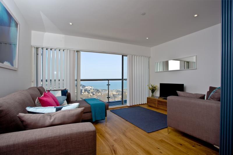 No.1 Quay Court located in Newquay, Cornwall - Image 1 - Newquay - rentals