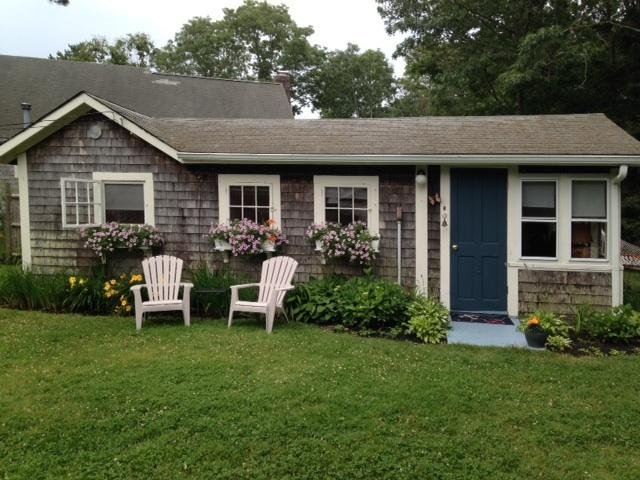 Quaint Summer Cottage _ Available in September!! - Image 1 - South Yarmouth - rentals