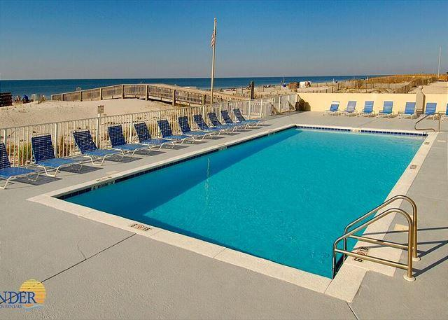 Gulf Tower Outdoor Pool - Gulf Tower 8C ~Deluxe Condo with Hardwood Floors~Bender Vacation Rentals - Gulf Shores - rentals