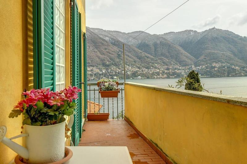 Romantic Italian retreat at Lake Como with amazing views! - Image 1 - Como - rentals