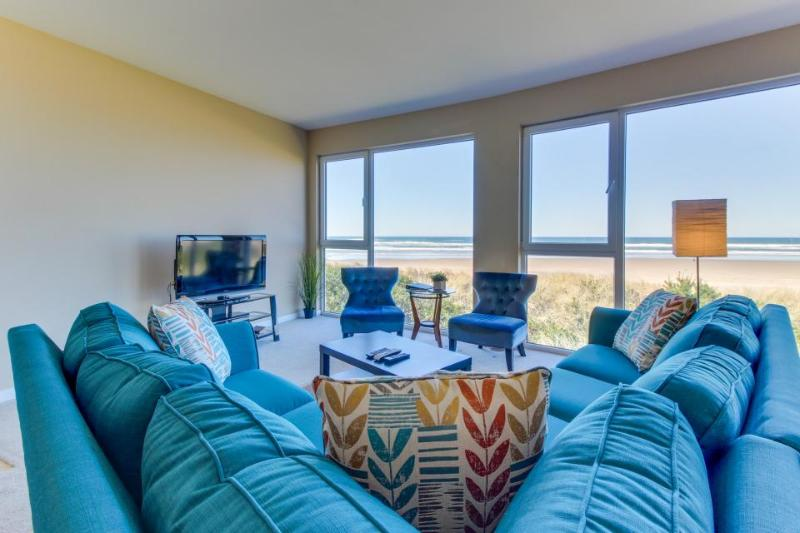 Seaside, dog-friendly condo with ocean views! - Image 1 - Rockaway Beach - rentals