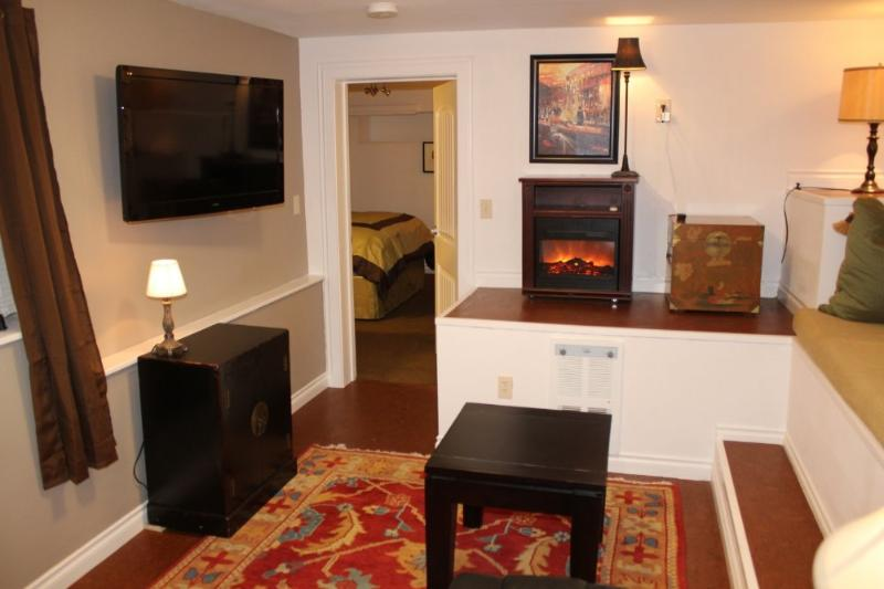 LOVELY AND SPACIOUS 1 BEDROOM, 1 BATHROOM APARTMENT - Image 1 - Seattle - rentals