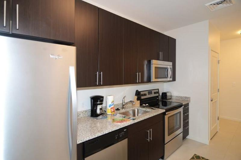 Contemporary 1 Bedroom, 1 Bathroom Apartment in Boston - Image 1 - Boston - rentals
