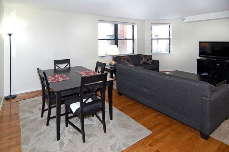 Lovely 2 Bedroom Apartment in Boston - Building Featuring Courtyard and Rooftop - Image 1 - Boston - rentals