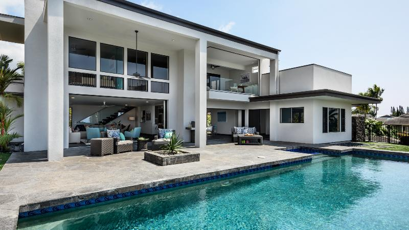 Sophisticated, modern, 5 bedroom residence - Private, Gated Residence with Panoramic Ocean and Sunset Views - Kailua-Kona - rentals