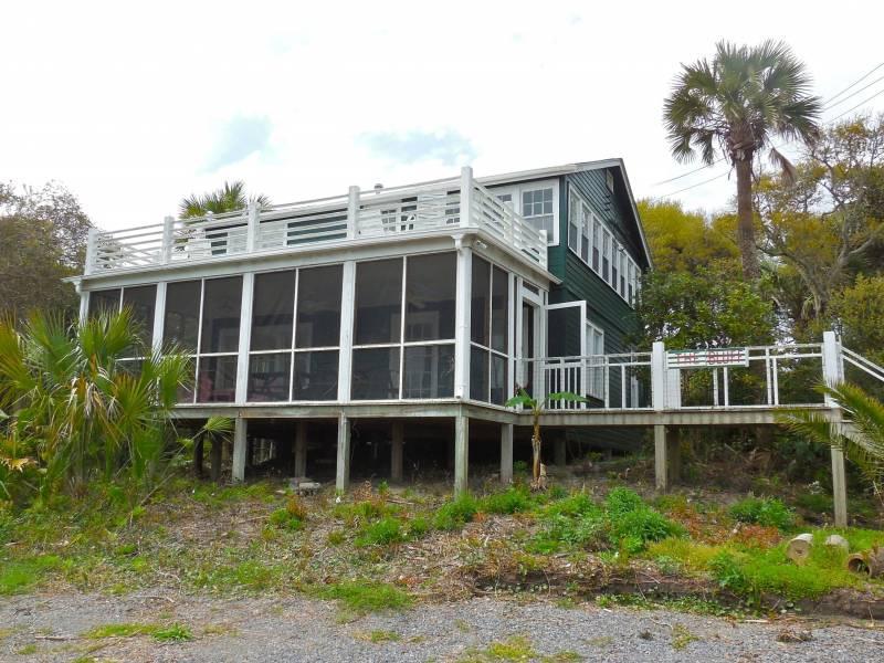 Exterior - The Bluff - Folly Beach, SC - 3 Beds BATHS: 2 Full - Folly Beach - rentals