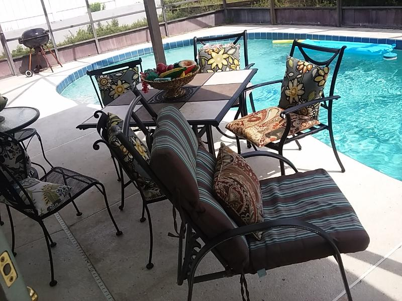 beautiful pool and patio area - Beautiful 3 bedroom 2 bath Pool Home with large ga - Ormond Beach - rentals