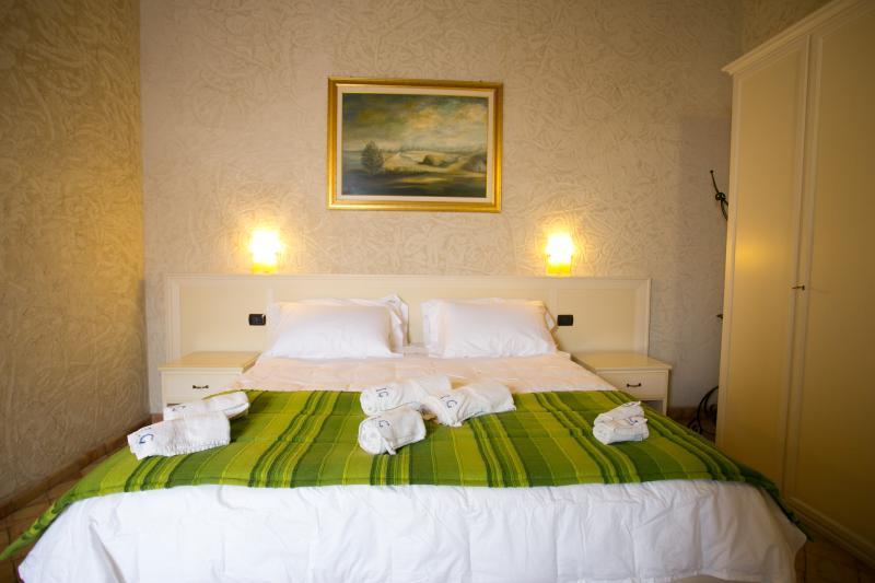 Residenza I GIOIELLI -   Apartment  Suite Smeraldo - Image 1 - Tropea - rentals