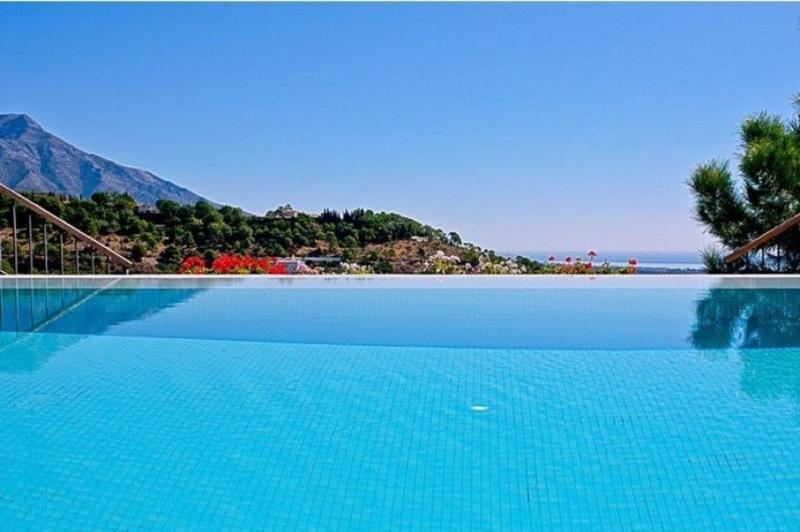 1735 -Superb 5 bedroom villa El Madronal, Marbella - Image 1 - San Pedro de Alcantara - rentals