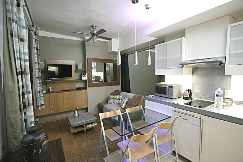 Modern Loft in Marais at Beauborg Paris - Image 1 - Paris - rentals
