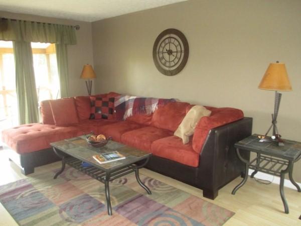 Living Room - 072-3 - Bronston - rentals