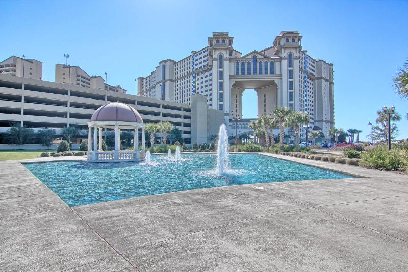 Luxurious Tropical Island Retreat Oceanfront Condo - Image 1 - North Myrtle Beach - rentals