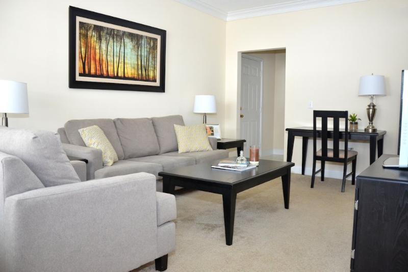 HIGH-TONED FURNISHED 1 BEDROOM, 1 BATHROOM APARTMENT - Image 1 - Waltham - rentals