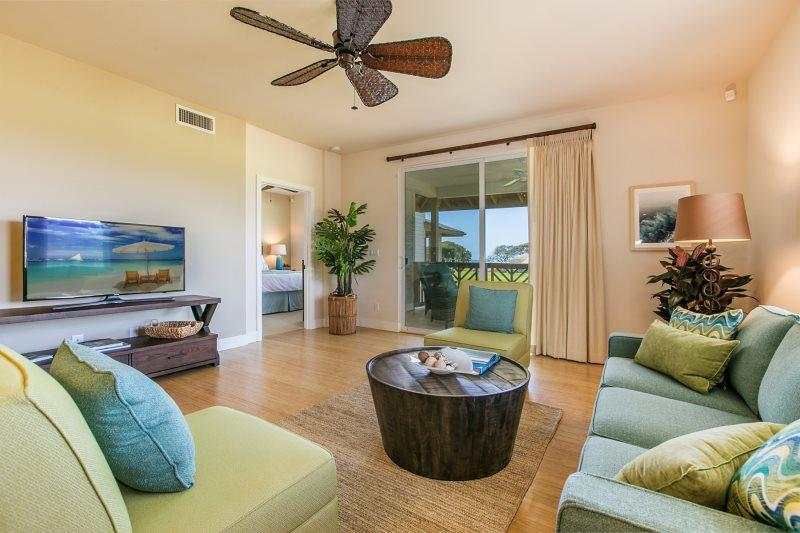 Living Room of Pili Mai 10K - Pili Mai 10K-Incredible 3 bd air conditioned condo with beautiful interiors- located in Poipu on the Kiahuna golf course - Koloa-Poipu - rentals