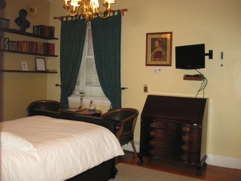 LOVELY FURNISHED 1 BATRHOOM STUDIO APARMTENT - Image 1 - Boston - rentals