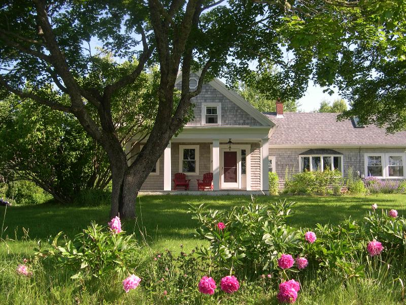 Fox Hollow Farm - Fox Hollow Farm--Idyllic Coastal Farmhouse - Lamoine - rentals