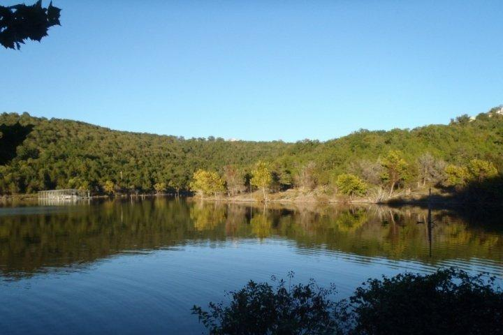 Follow the path to Table Rock Lake...Now Breathe!!..Relax...Renew!! - Table Rock Lake 2 Bedroom, Ground Floor Condo just south of Branson...PET FRIENDLY!!.. - Hollister - rentals