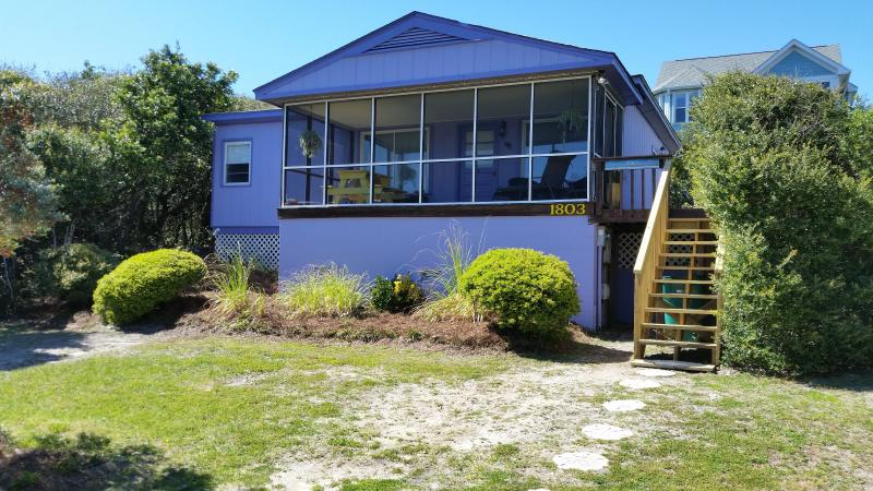 A true beach cottage! - TOP RATED on NC Coast - New Furnishings, Dogs Welcome! - Surf City - rentals