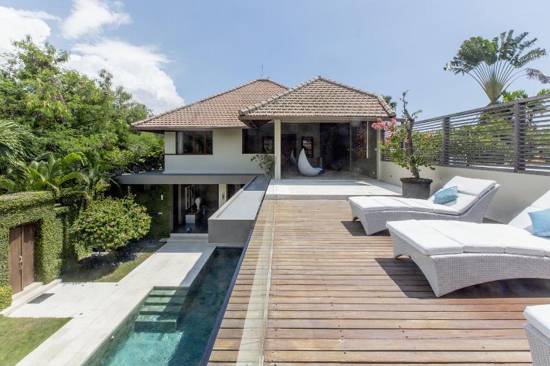 Balcony - Villa A Kori: ideal location in Seminyak and beach - Seminyak - rentals