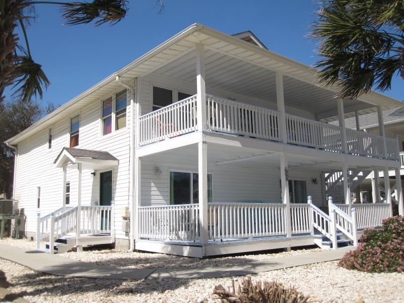 Just remodeled - 2nd row 9 sleeps - Lower level - Image 1 - North Myrtle Beach - rentals
