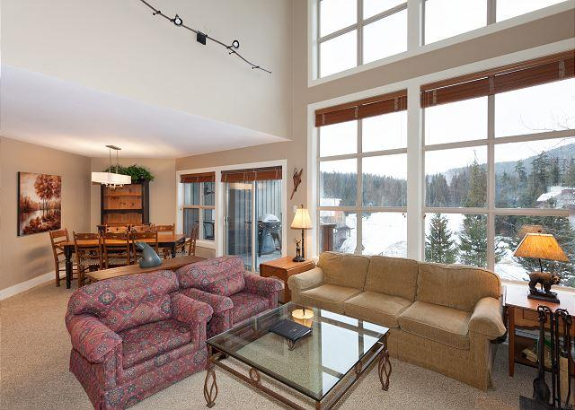 Bright Open Concept Main Floor with Deck Access - Blackcomb Greens #38 |  3 Bedroom with Views of Chateau Whistler Golf Course - Whistler - rentals
