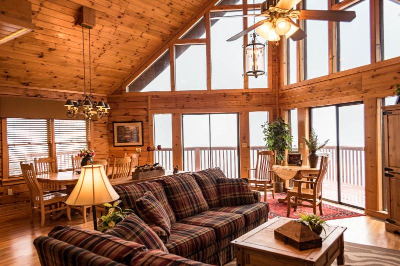 SPECTACULAR SMOKY MT. VIEW LUXURY CHALET 5 BR 3BTH - Image 1 - Sevierville - rentals
