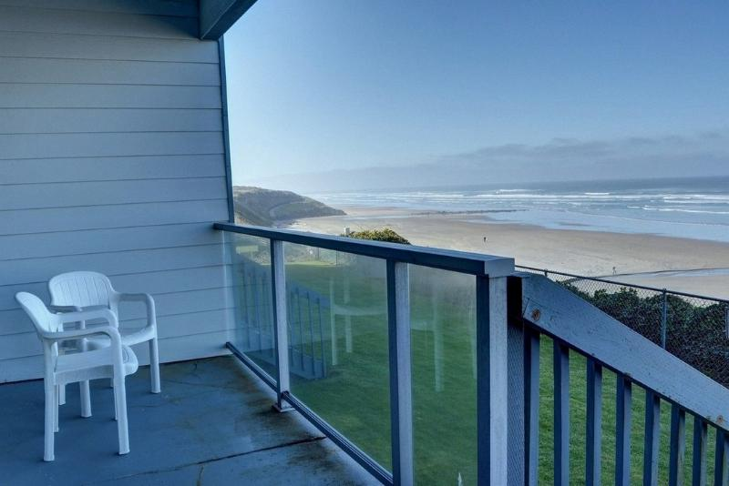 Nye Sands Condo for Two ~ RA5933 - Image 1 - Newport - rentals