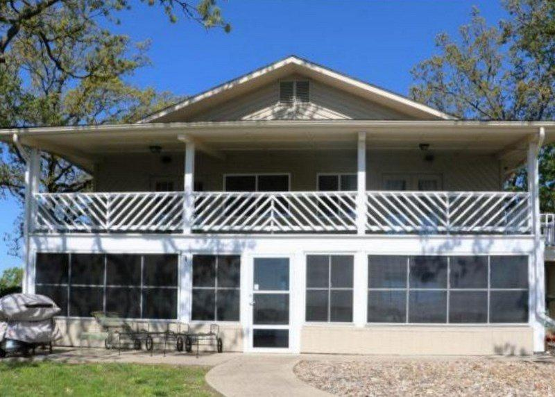 Lakefront view - A Better Place To Be - Two Story Home in Family Oriented Neighborhood. Great Water Views! 8MM Osage Arm - Gravois Mills - rentals