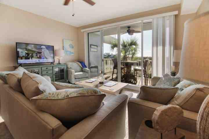 Stunning Living Room w/Canal View Balcony - 565 Little Harbor - Ruskin - rentals