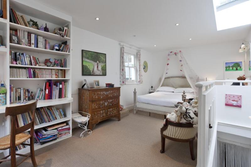 onefinestay - Ladbroke Square II private home - Image 1 - London - rentals