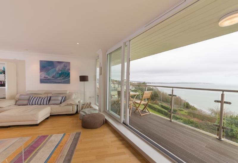 21 The Reach located in Shanklin, Isle Of Wight - Image 1 - Shanklin - rentals