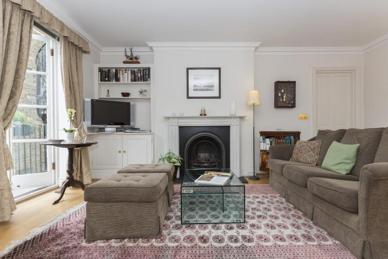 onefinestay - Palace Gate III apartment - Image 1 - London - rentals
