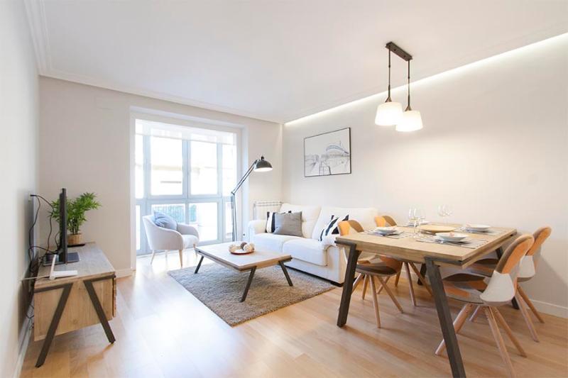 Spacious living room with dining area - Hergé II - San Sebastian - rentals