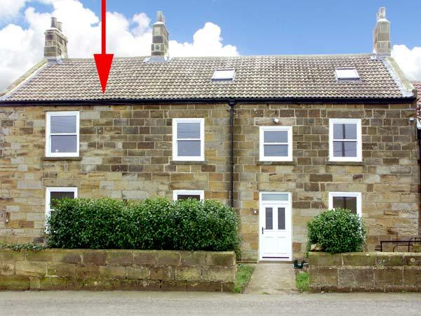 STREET HOUSE COTTAGE, pet-friendly, character holiday cottage in Staithes, Ref 936294 - Image 1 - Staithes - rentals