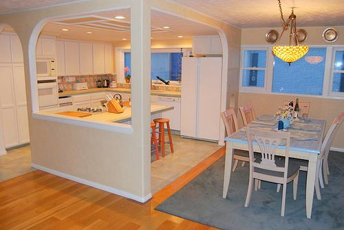 Kitchen and dining area - 2848 Bayside Walk - San Diego - rentals