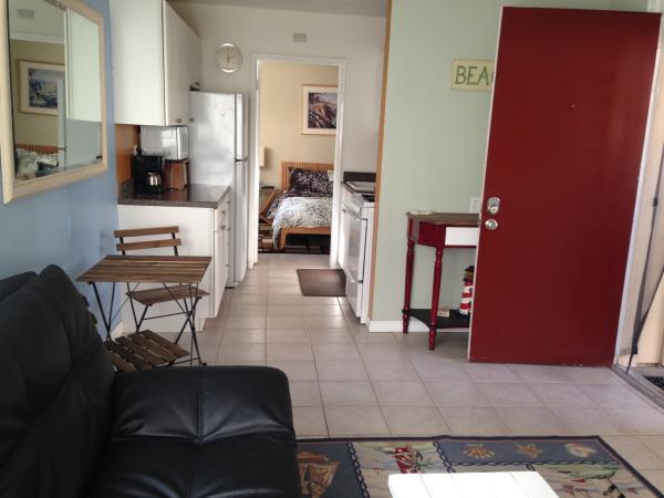 kitchen with bedroom view - 3764 Bayside Lane #1 - San Diego - rentals