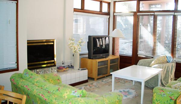 2nd view of living room - 2721 Oceanfront Walk #4 - San Diego - rentals