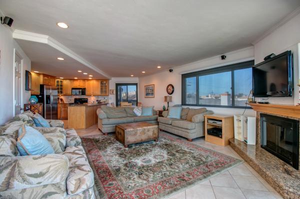 Living room - 2820 Bayside Walk #3 - San Diego - rentals