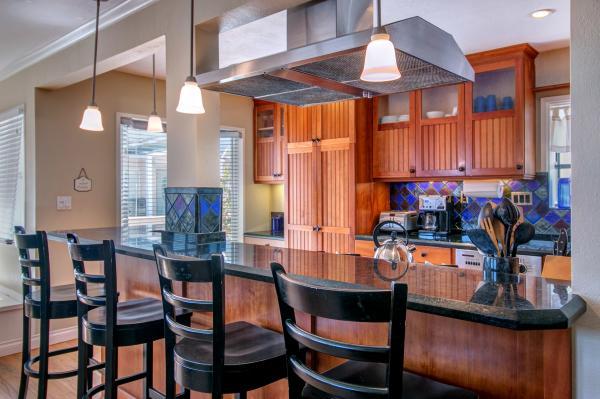 Kitchen Bar - 710 Whiting Court - San Diego - rentals