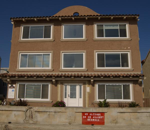 outside view from beach - San Diego 2 BR, 2 BA House (3969 Ocean Front Walk #3) - San Diego - rentals