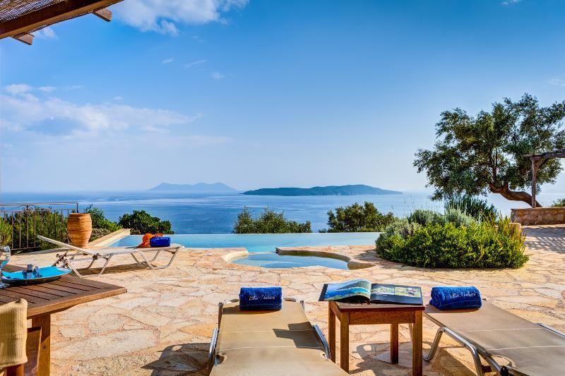 Enjoy the sun loungers while being amazed from the astonishing sea view - Villa Anatoli - Luxury seafront villa with private infinity pool - Sivota - rentals