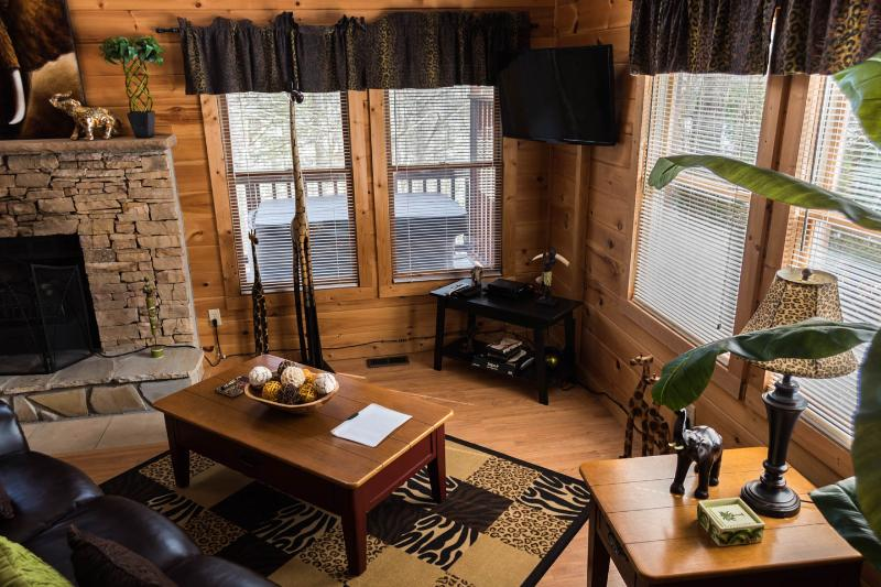 Pigeon Forge Cabin - JUNGLE FEVER - Image 1 - Pigeon Forge - rentals