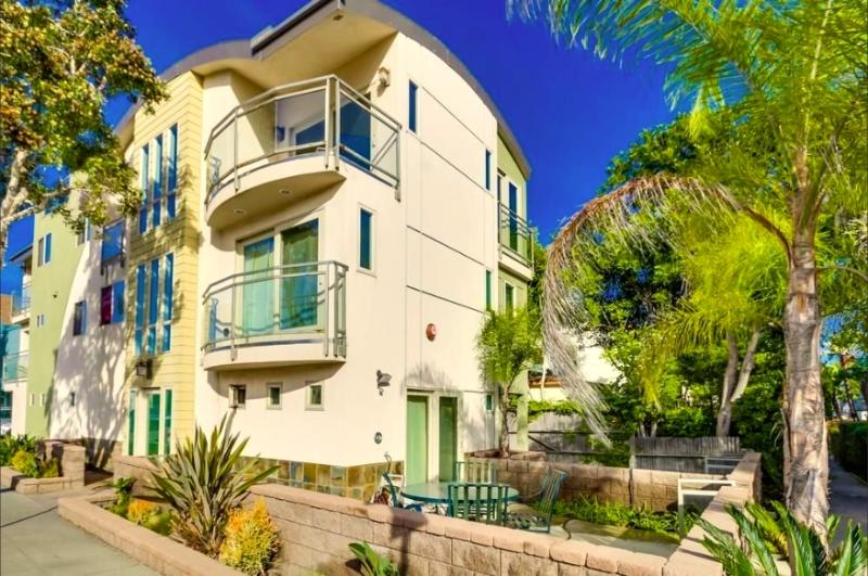 Newly Built Luxury Mission Beach Home, San Diego, 802 Nahant Ct. - New Luxury Beach Vacation Home- Mission Beach SD - San Diego - rentals