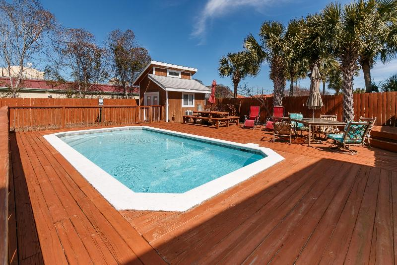 """Snowdrift Unit A"" Semi-private pool, private deeded beach access, Pet Friendly!! - Image 1 - Destin - rentals"