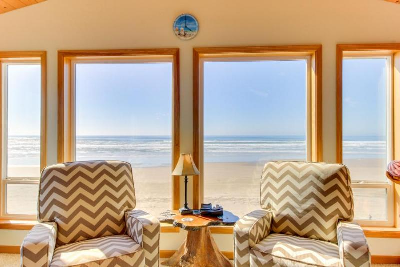 Charming oceanfront, dog-friendly house right on the beach! - Image 1 - Waldport - rentals
