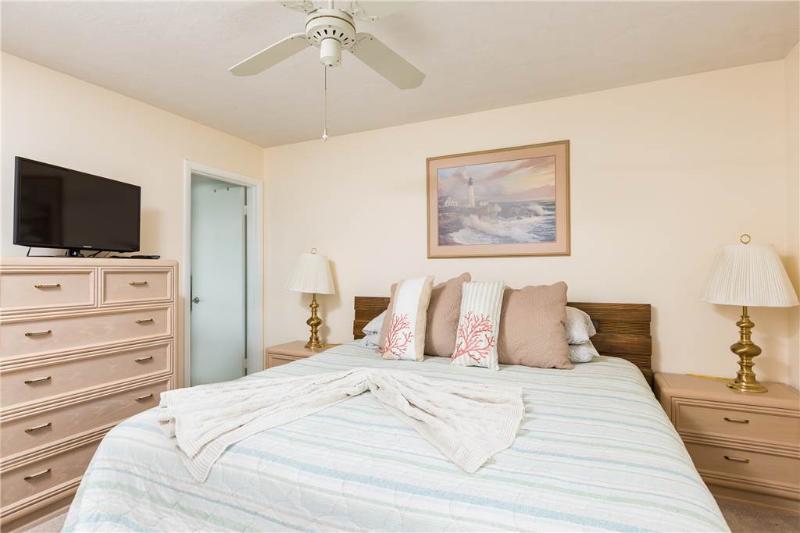 Vista Hermosa, 2 Bedrooms, Pool, Wireless Internet, Sleeps 5 - Image 1 - Sarasota - rentals