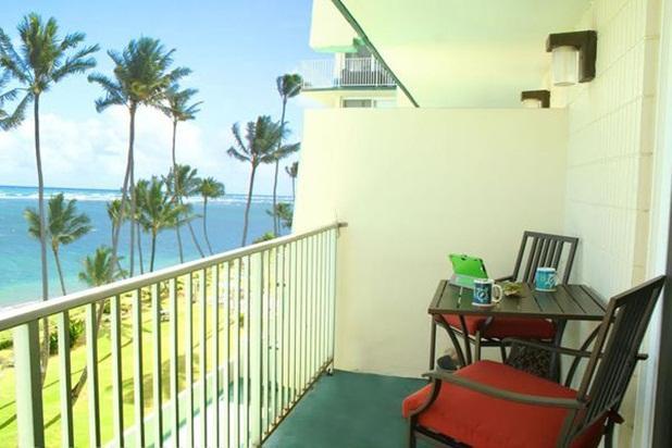 Pats Paradise Unit 604 - beachfront, near PCC - Image 1 - Hauula - rentals