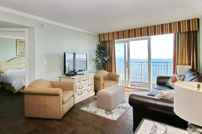 Family room with a beautiful oceanfront view! - Direct Oceanfront* End Unit * Amazing Views ! - Myrtle Beach - rentals