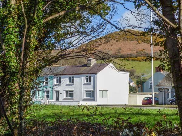 ARNANT, two sitting rooms, WiFi, enclosed lawned garden, dog-friendly - Image 1 - Aberaeron - rentals