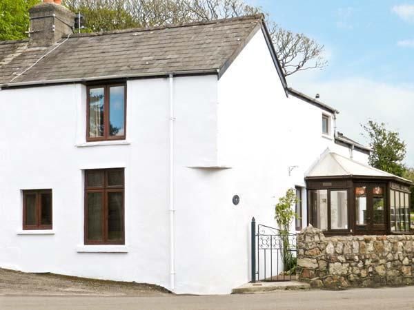 CORNER COTTAGE, semi-detached cottage, next to the village green, conservatory in Reynoldston, Ref 936468 - Image 1 - Reynoldston - rentals